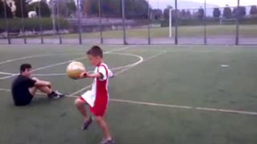 Olghe Balliu, 13-vjeçari shqiptar me tekniken e Mesit qe mahnit Realin