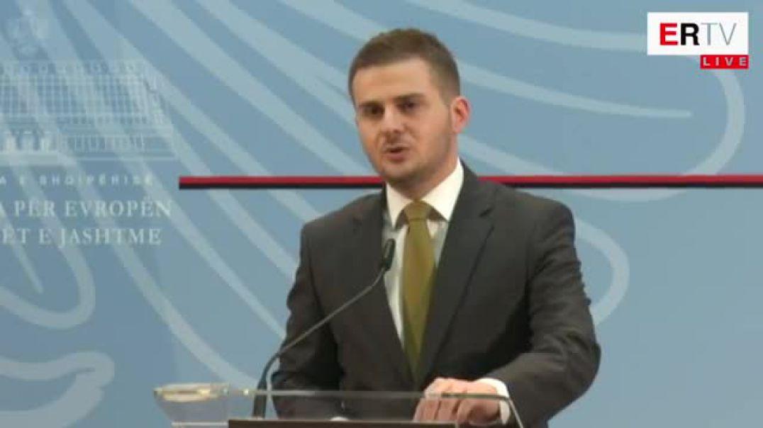 Ministri Cakaj në deklaratë për shtyp
