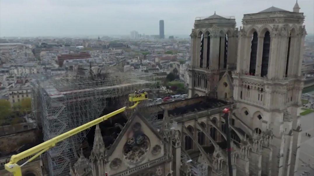 Video e mahnitshme, çfarë la pas zjarri në Notre Dame