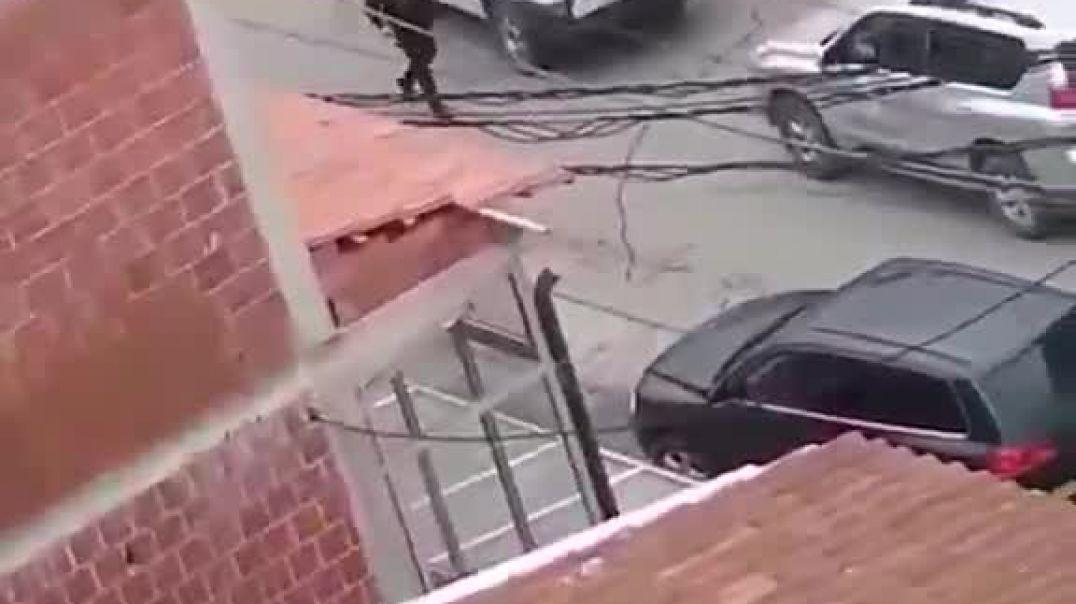 ROSU duke arrestuar një person në lagjen e boshnjakëve në Mitrovicën e Veriut