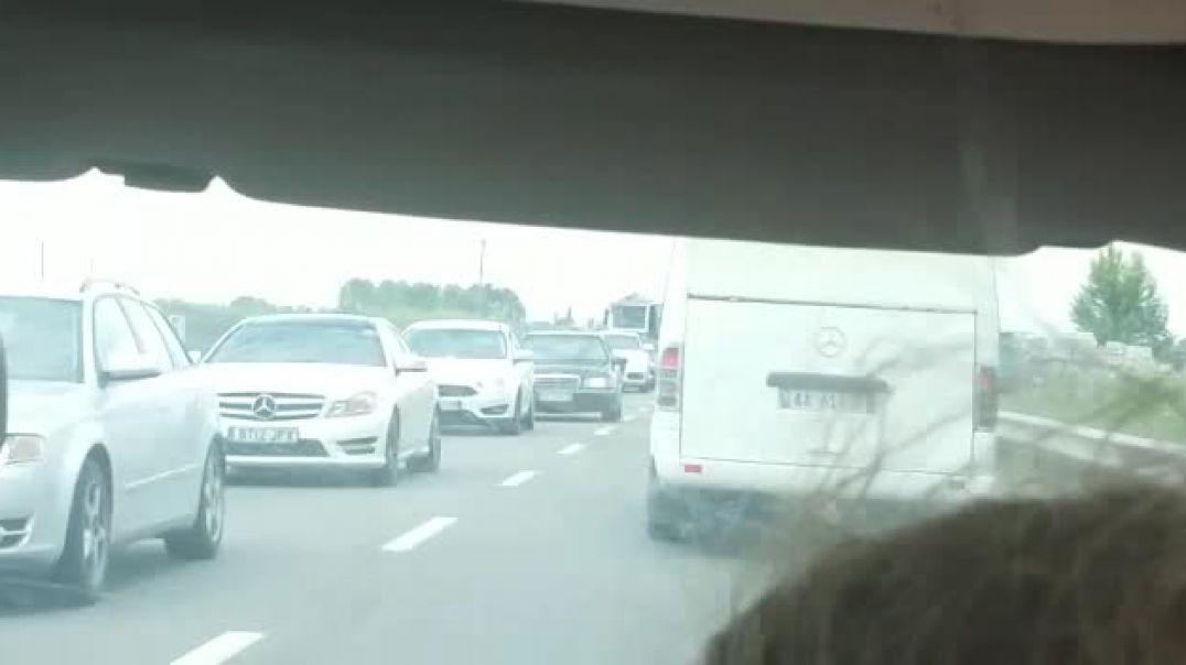 Trafik i rënduar në rrugën Shkodër-Tiranë