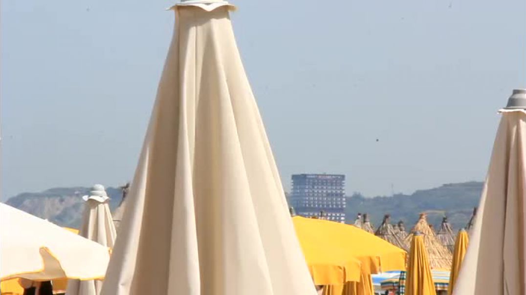 """Nga Golemi, në plazhin e Spillesë, ku turistët vijnë ditën e """"zhduken"""" natën"""