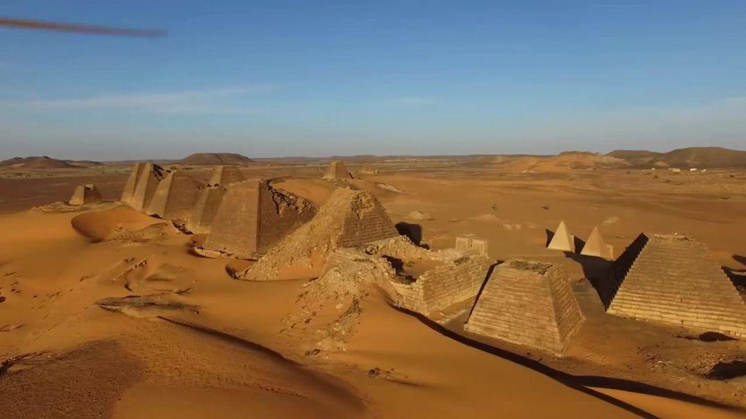 Pamjet mahnitëse të piramidave të mistershme të Sudanit