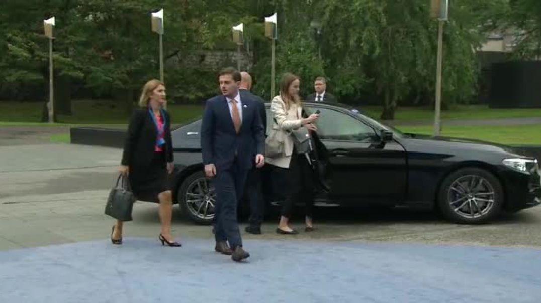 Negociatat,  Cakaj takon me ministrat e Jashtëm të BE-së në Helsinki