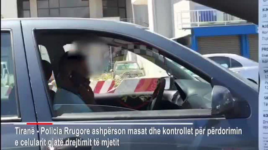 Policia si Big Brother! Civilë me kamera në rrugë kundër përdorimit të telefonit në timon
