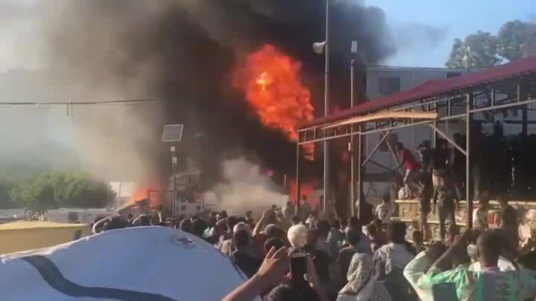Rebelohen refugjatët në Greqi, 3 të vdekur