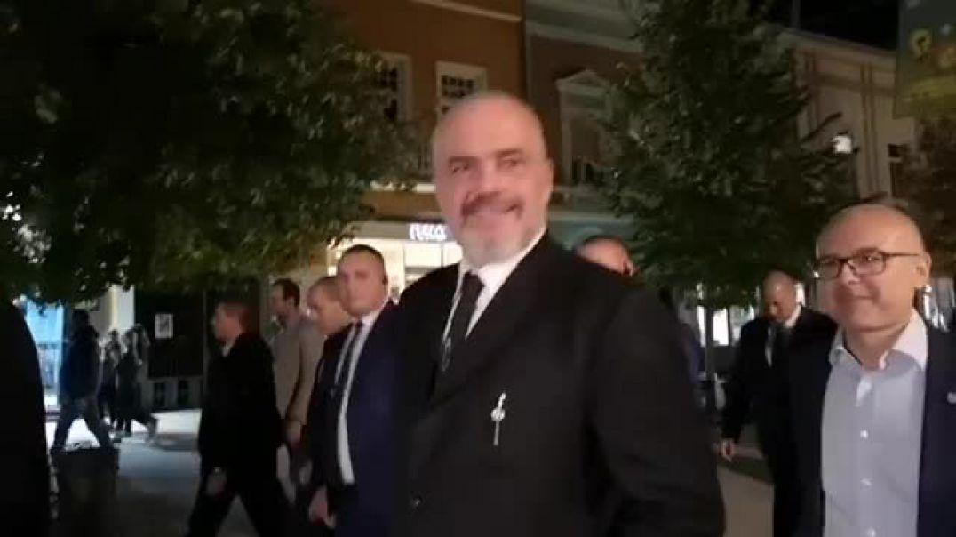 Vuçiç ja njeh pikën e dobët Edi Ramës