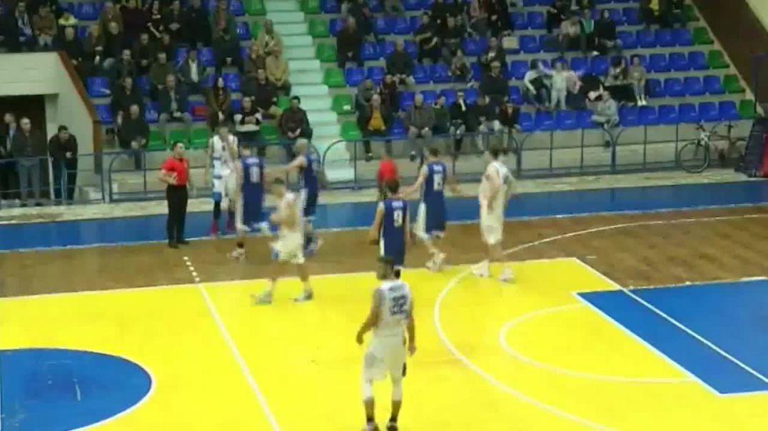 Video/ Dhunon barbarisht arbitrin, arrestohet basketbollisti i Tiranës