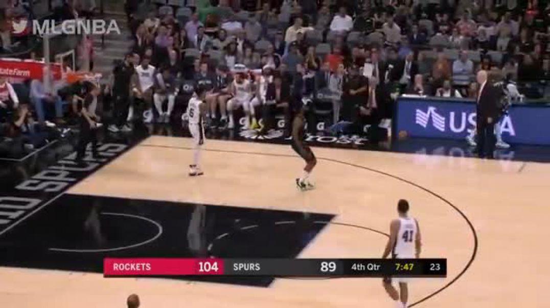 Video/ Topi hyn në kosh e del, arbitri s'e sheh dhe përsëritet ndeshja në NBA