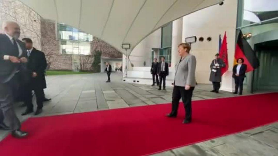 1 mld euro dëme nga tërmeti, Merkel pret Ramën në Berlin