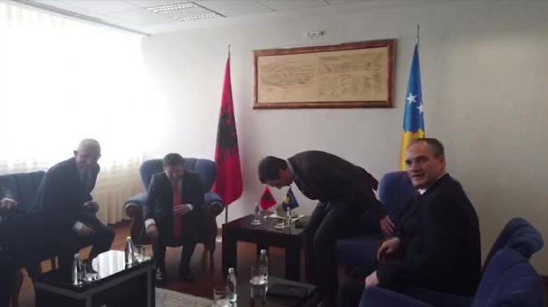 Cakaj mban vizitën e parë në Kosovë, takime me Kurtin, Thaçin dhe Osmanin