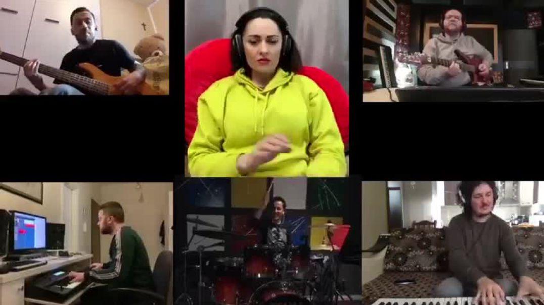 (Video) Prova muzikore në distancë, Eneda dhe grupi e kanë gjetur zgjidhjen