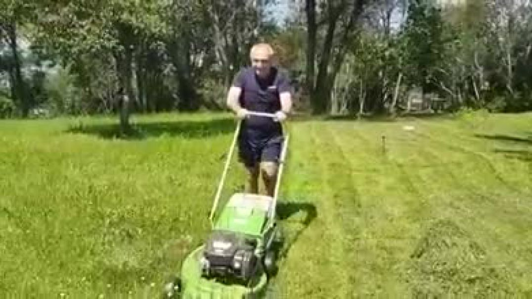 Meta uron fundjavë (të izoluar) të mbarë nga oborri me korrëse bari
