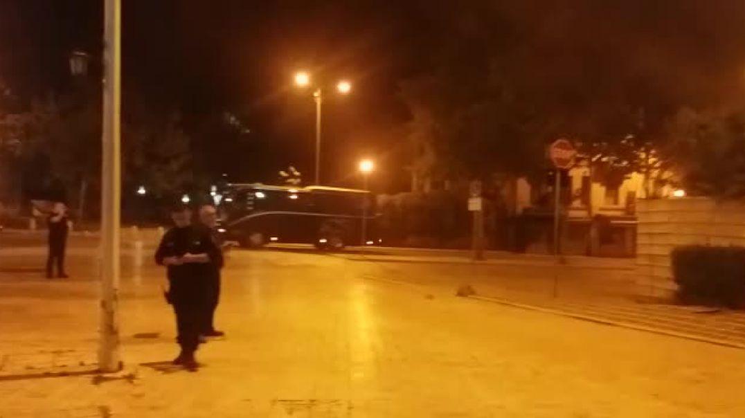 Molotov Parlamentit dhe Xhamisë së Namazgjasë