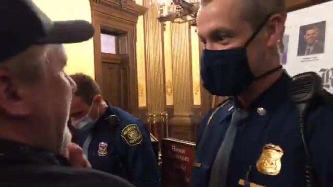 Protestues të armatosur në Parlament, deputetët e Miçiganit votojnë me pahir heqjen e emergjencës