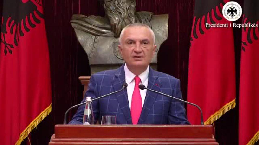 """""""Teatri"""", Meta: Karagjozët të mos bëjnë prova force me Presidentin"""