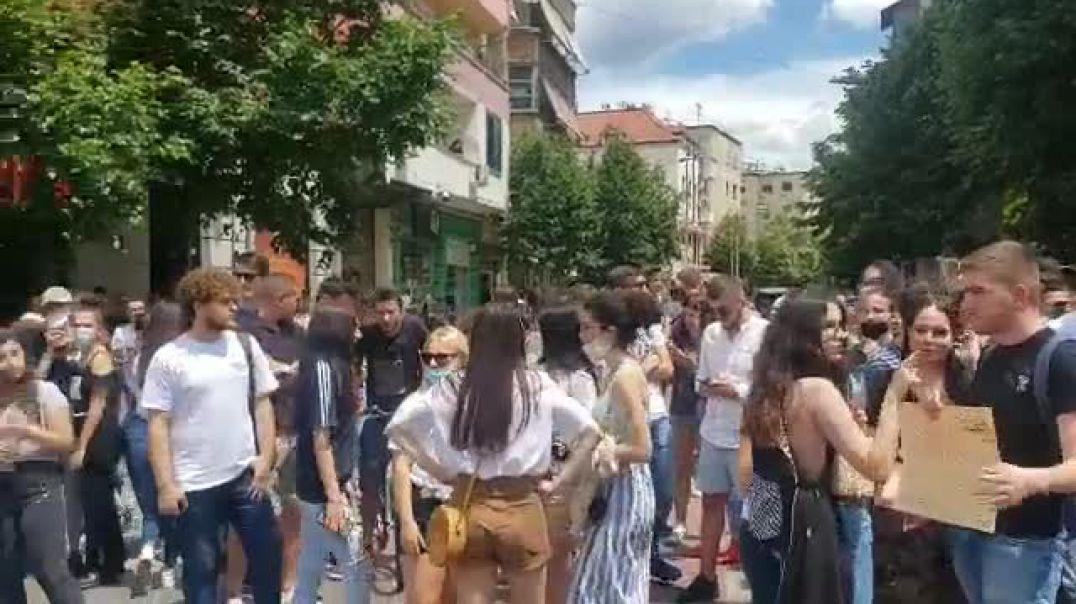 Protesta e maturantëve