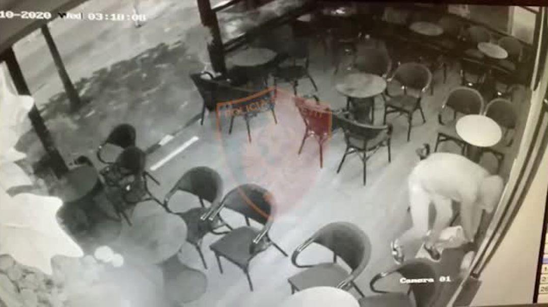 Video/ U vendos eksploziv në derën e lokalit, arrestohet një 28 vjeçar
