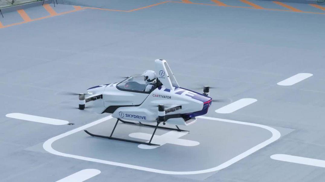 Makina fluturuese japoneze kryen me sukses testin e parë me një person në bord (Video)