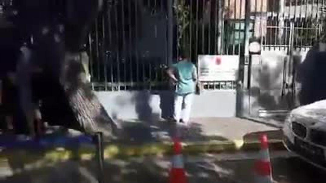 Rradhe ne Ambasada