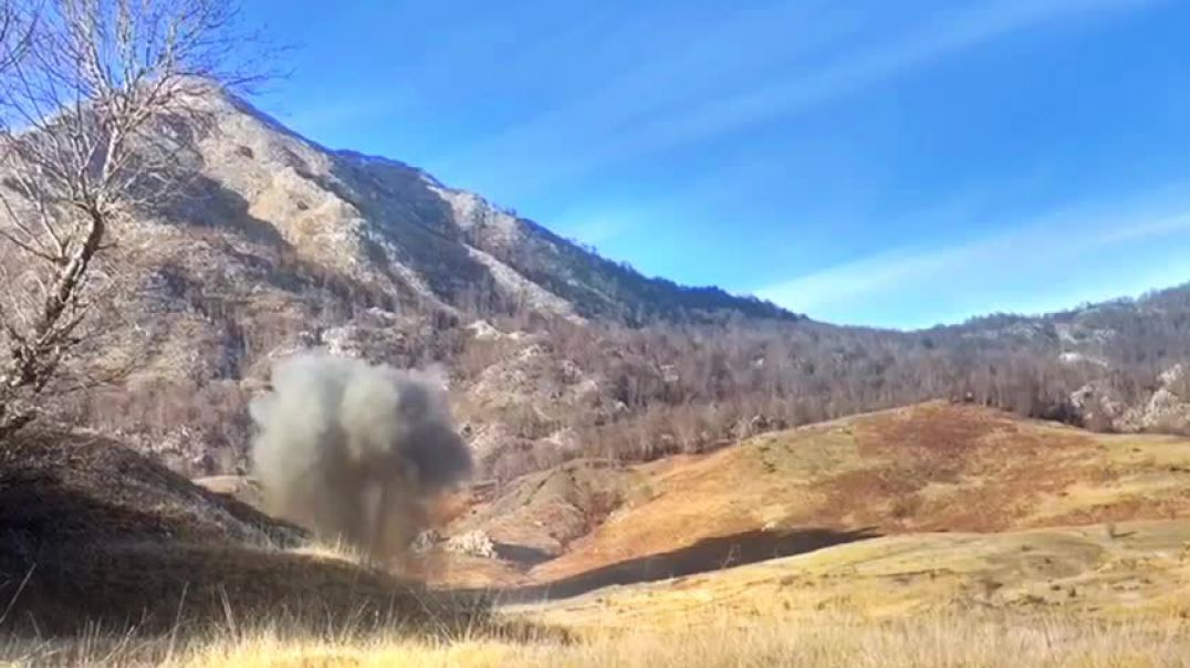 Video / Ushtria shpërthen bombën e Luftës së Dytë Botërore, u gjet në Tiranë