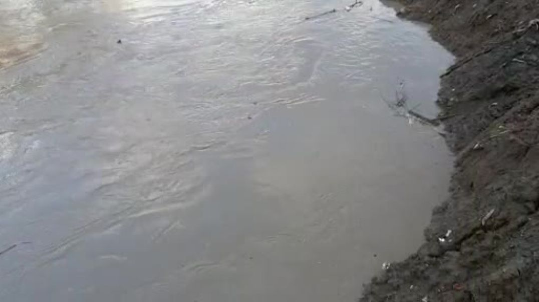 Lumi Ishëm del nga shtrati, përmbyt disa fshatra