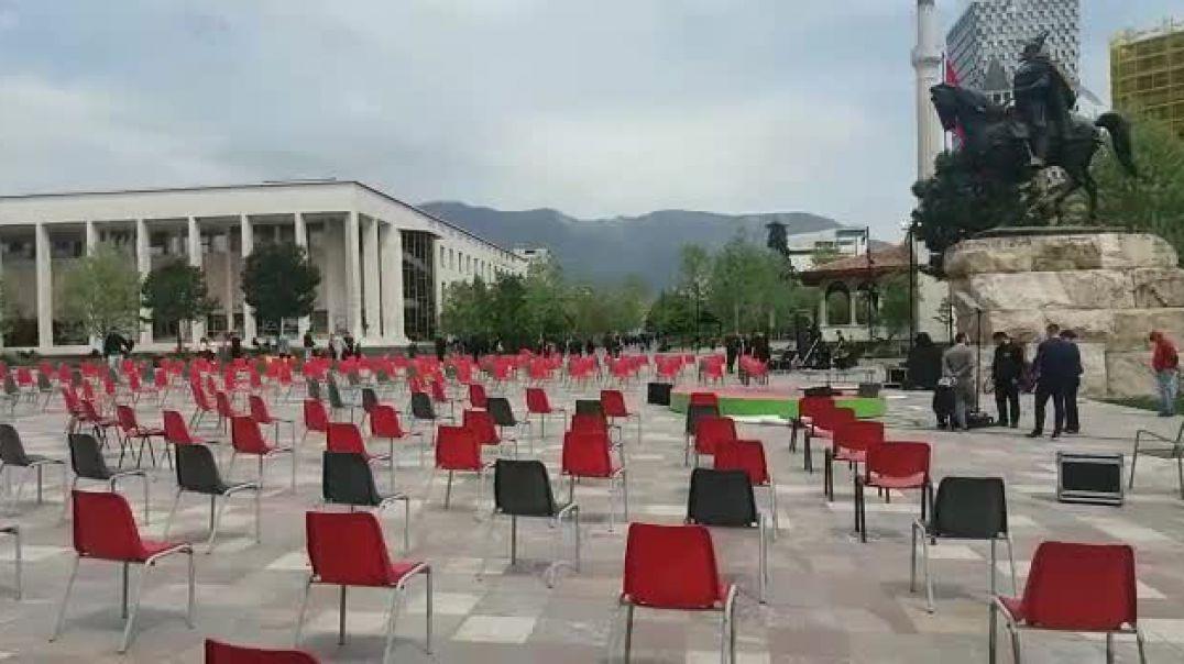Sheshi Skënderbej përgatitet për festën e fitores të Partisë Socialiste.