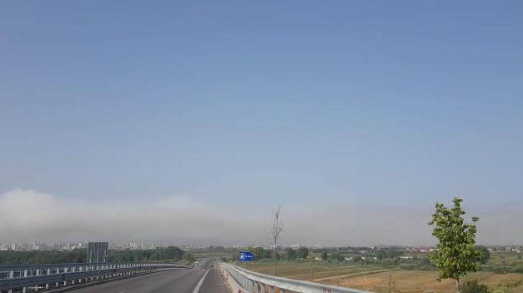 Djegia e plehrave, retë e mëdha të tymit mbi qytetin e Fierit